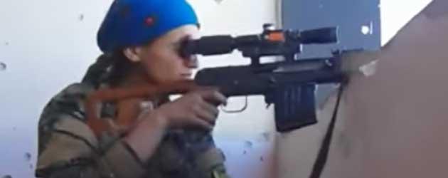 Sniper Wordt Bijna Door Het Hoofd Geschoten