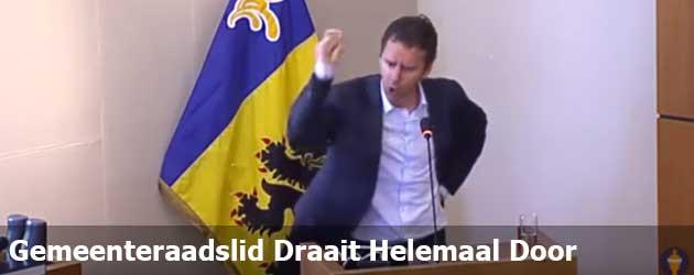 Vlaams Gemeenteraadslid Draait Helemaal Door