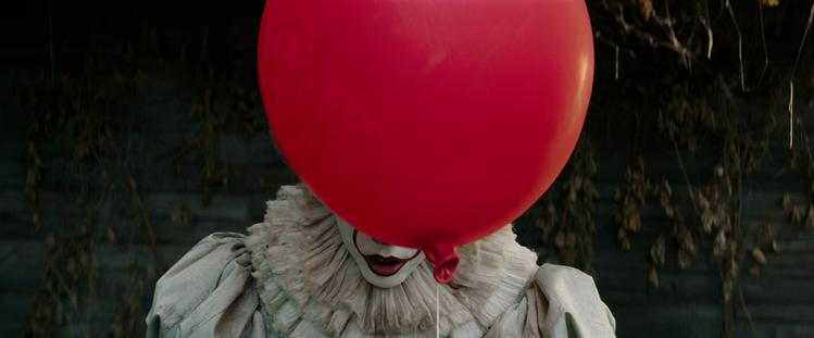 Eerste Bloedstollende Trailer Stephen Kings IT