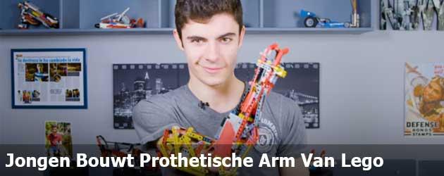 Jongen Bouwt Prothetische Arm Van Lego