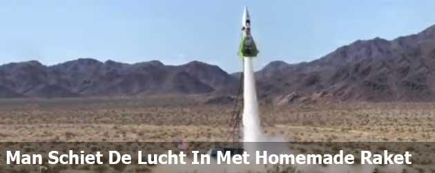 Man Schiet De Lucht In Met Homemade Raket