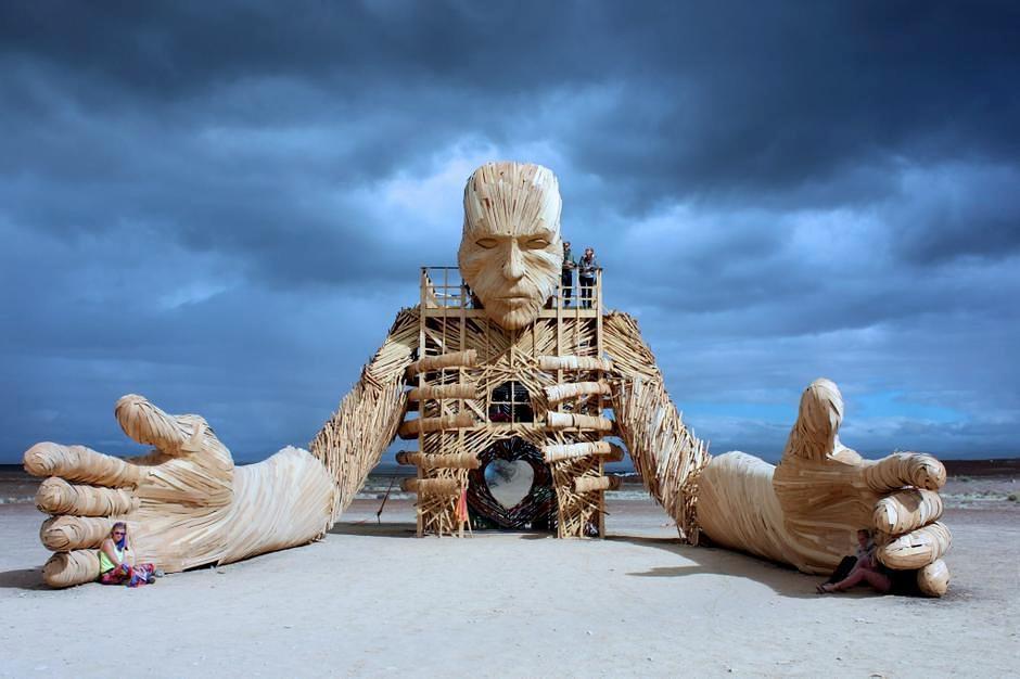 Fantastische Houten Sculpturen Van Daniel Popper